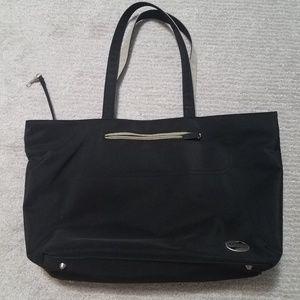 American Tourister Pocket packed tote